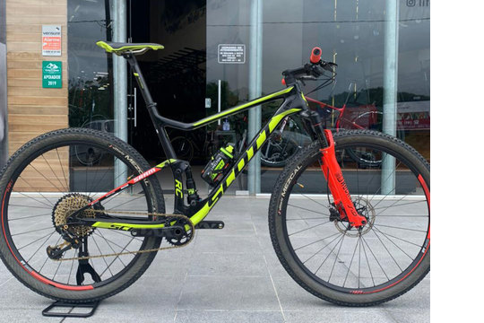 Scott Spark 900 World Cup - Semi nova - (Bike em Floripa)